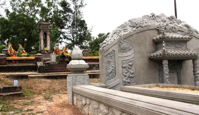 Bài văn khấn cúng tạ mộ mới xây